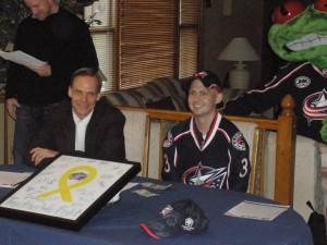 Jason Chimera, Scott Howson, Ryan Salmons and Stinger. Photo courtesy of Bethanys Hockey Rants