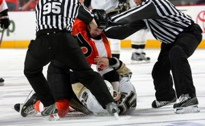 Dan Carcillo of the Philadelphia Flyers fights Maxime Talbot of the Pittsburgh Penguins during Game 6. (Photo by Len RedkolesNHLI via Getty Images)