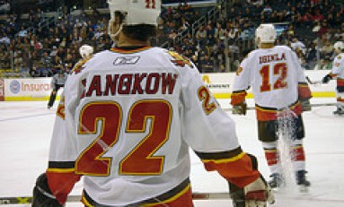 Flames playoff hopes flicker, but Langkow returns