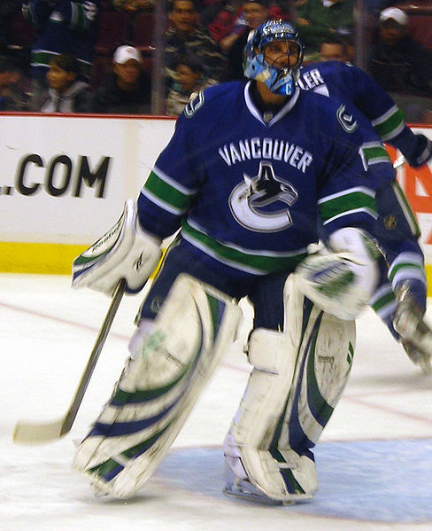(Wikimedia Commons) Roberto Luongo was the face of the Vancouver Canucks' franchise, along with the Sedin twins, until Alain Vigneault started riding Cory Schneider. Neither goaltender was able to thrive in that environment and the Canucks ended up losing them both.