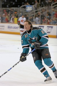 Jeremy Roenick, in unfamiliar threads
