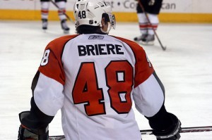 Former center Danny Briere will try again to move to wing and stay healthy for an entire season. (Image Credits: valorfaerie)