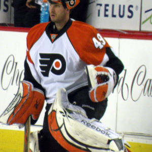Leighton has also been a member of the Philadelphia Flyers during his career. (Resolute/wikimedia)