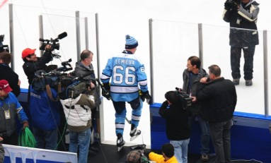 Penguins Alumni Game Interviews with Gary Roberts, Ron Francis and Larry Murphy