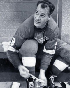 Gordie Howe instrumental on maintaining good spirit on the Wings.