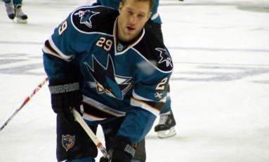 Ryane Clowe Poke Checks The Sharks Past The Kings