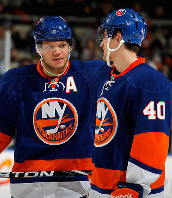Kyle Okposo (left) and Michael Grabner