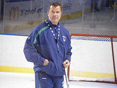 Is Canucks coach Alain Vigneault on the hot seat? (DSCF1837) [CC-BY-SA-2.0 (www.creativecommons.org/licenses/by-sa/2.0) or CC-BY-2.0 (www.creativecommons.org/licenses/by/2.0)], via Wikimedia Commons