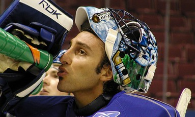 Florida Panthers: Roberto Luongo Not Enough, More Help is Needed
