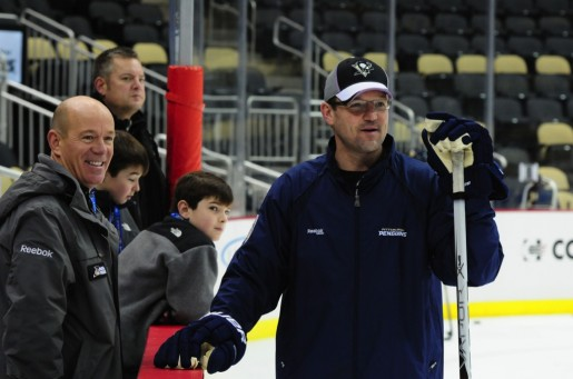 Dan Bylsma has the Crosby-less Penguins in the thick of the Eastern Conference playoff race (Tom Turk/THW)