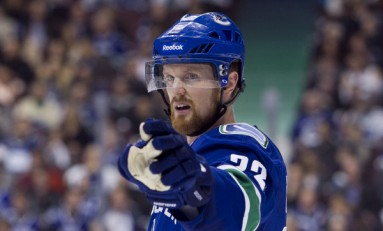 Preview: Sedin Hunts for 1,000 Against Panthers