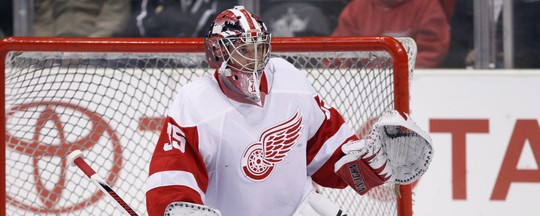 Jimmy Howard breaks finger Red Wings