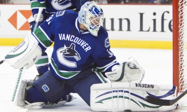 Canucks Goaltender Cory Schneider Joins Ambri In The Swiss League