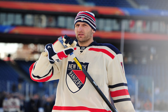 Mike Rupp New York Rangers Winter Classic