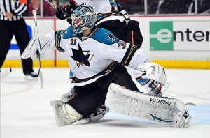 Stars trade for Antti Niemi Sharks