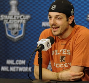 Danny Briere's 74 points in 74 playoff games with the Flyers earned him the reputation as a clutch playoff performer. (Eric Hartline-US PRESSWIRE)