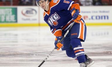Justin Schultz Wins AHL Defenseman of the Year
