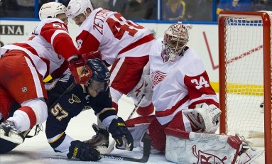 Detroit Red Wings: What's Wrong with Petr Mrazek