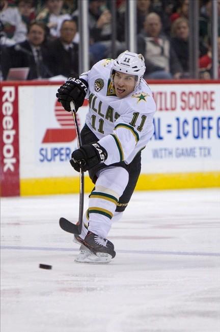 Derek Roy will now join the Vancouver Canucks (Brace Hemmelgarn-USA TODAY Sports)