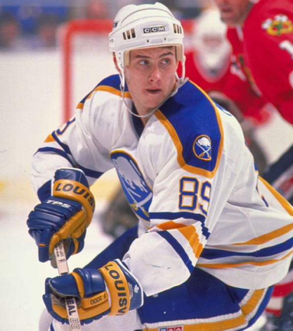 Quick-strike specialist Alexander Mogilny playing for the Sabres.