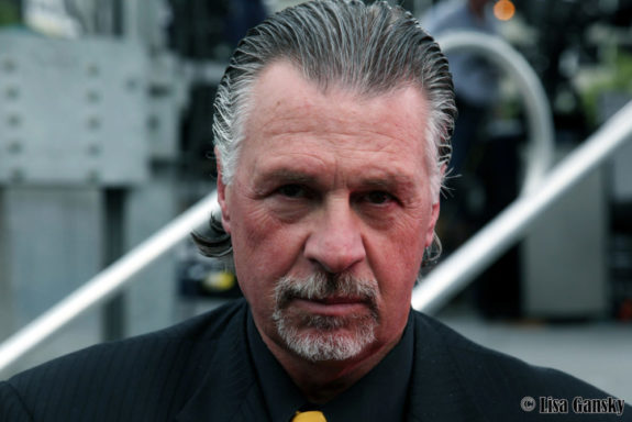 Barry Melrose in all his glory [photo: Lisa Gansky]