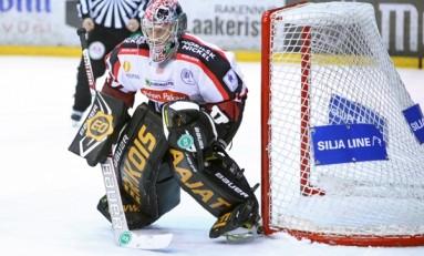 Blackhawks Snag Antti Raanta