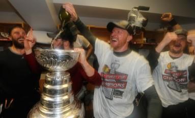 Hockey Links: Bergeron's Broken Body; Bryzgalov Drama; Letang Trade?