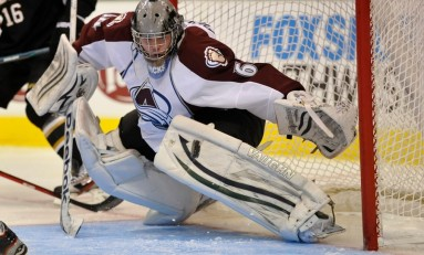 Avs Re-Sign Calvin Pickard