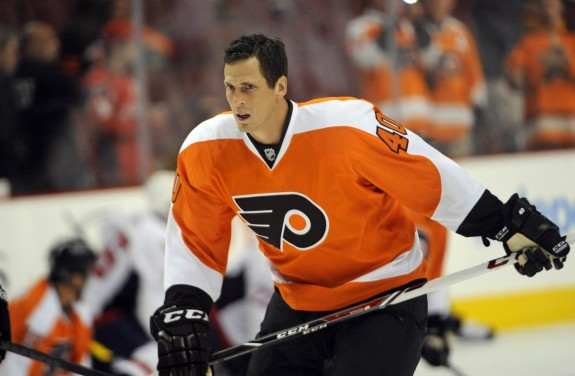 Despite the blown opportunity in Sunrise, Vinny Lecavalier extended his point streak to three games.
