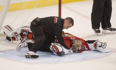 Hockey News: Craig Anderson Hurt; Flyers Mess