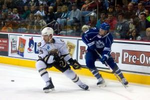Hershey Bears Julien Brouillette vs Syracuse Crunch 18 December 2013 (Annie Erling Gofus/The Hockey Writers)