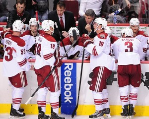 Phoenix Coyotes Head Coach Dave Tippett Confers With His Team During a Recent Road Game in Vancouver (Anne-Marie Sorvin-USA TODAY Sports)