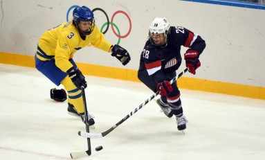 Amanda Kessel Will Return to the Gophers