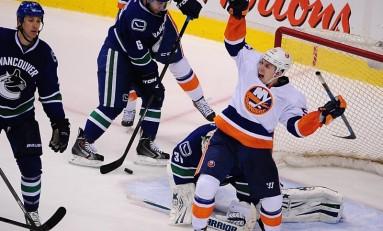 Blades of Fury: Islanders' Big Third Caps Major Win in Vancouver