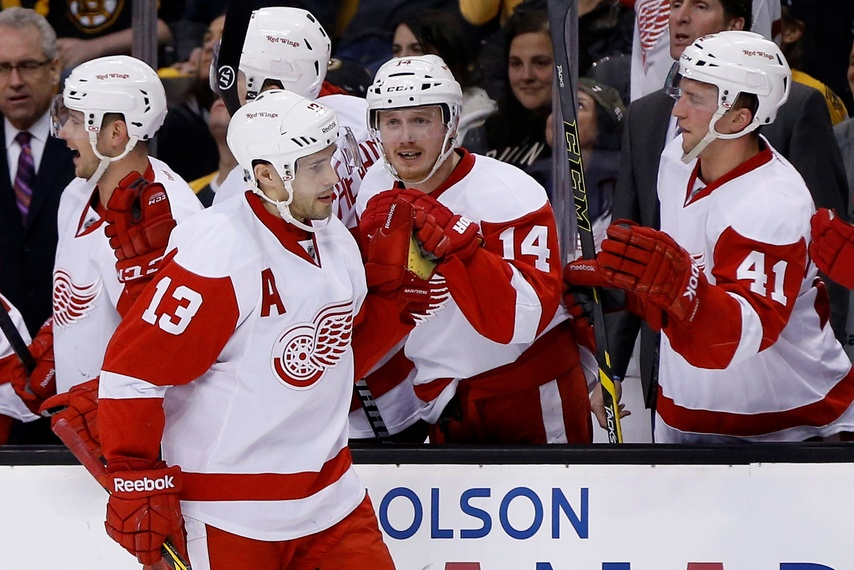 Pavel Datsyuk is the perennial 2-way forward… and he's Russian (Greg M. Cooper-USA TODAY Sports)