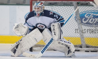 Jets' Crowded Crease Getting Attention