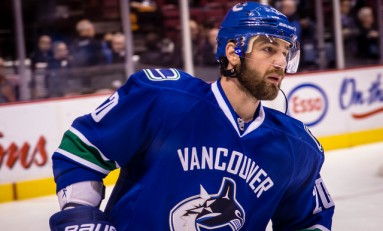 Vancouver's Chris Higgins to Miss 3 Weeks