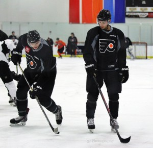 Shayne Gostisbehere (right) and Samuel Morin (left) doing drills at Flyers rookie camp [photo: Amy Irvin]
