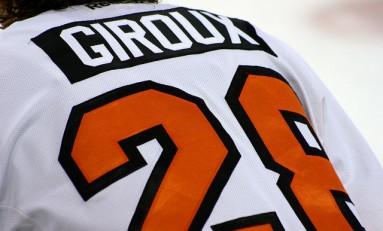 Flyers' Giroux Hits 800-Point Milestone