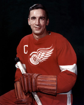Detroit Red Wings legend and former captain Ted Lindsay.