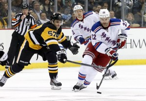 Penguins continue to struggle against Metropolitan Division opponents. (Charles LeClaire-USA TODAY Sports)