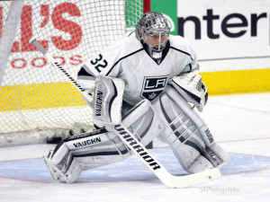 Jonathan Quick (Amy Irvin / The Hockey Writers)