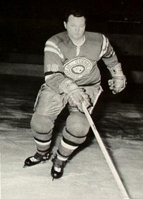 Doug Harvey , with Quebec last season.