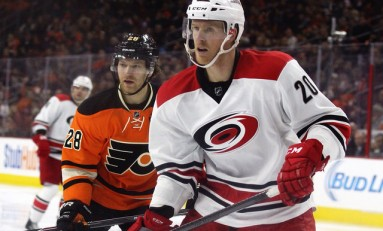 Hurricanes Should Have Kept Riley Nash