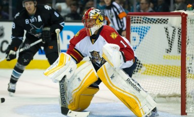 Roberto Luongo Makes Early Debut