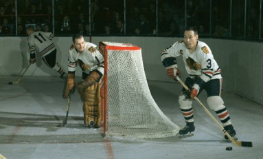 50 Years Ago in Hockey: Hull-less Hawks Edge Wings