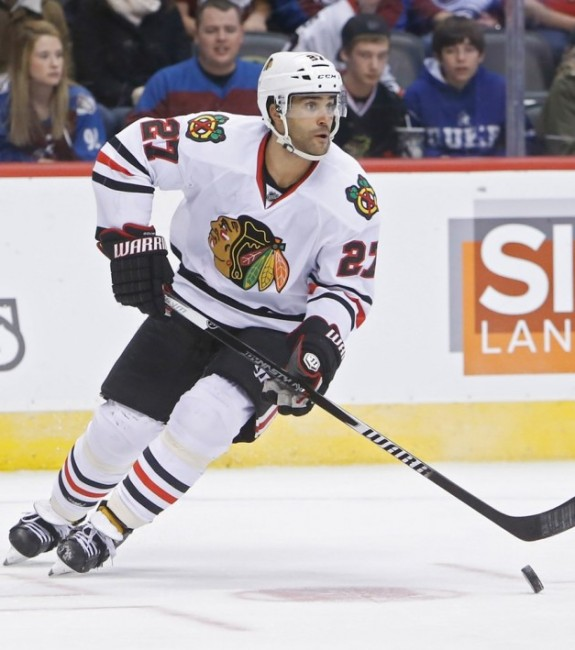 The Buffalo Sabres are still interested in bringing in Johnny Oduya to the fold. (Chris Humphreys-USA TODAY Sports)