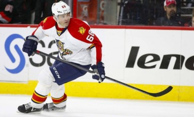 Jaromir Jagr Passes Brett Hull to Become 3rd All-Time in Goals