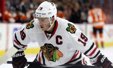 Recap: Toews Carries Blackhawks past Canucks