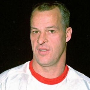 Gordie Howe - 2 goals for Detroit.
